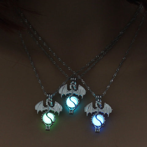 Vintage Game of Throne Dragon Punk Luminous Pendant Necklace - Glow in the Dark 3 Colors