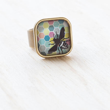 jennymonkey adjustable honey bee ephemera in resin ring