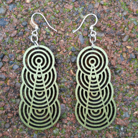 jennymonkey ascending interlocking circles 1377 laser cut wood earrings apple green
