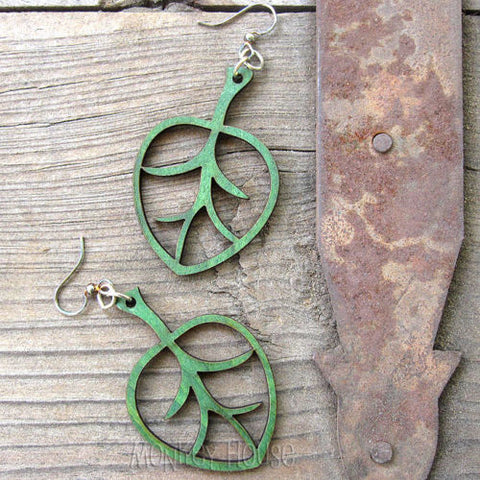 aspen leaf kelly green laser cut wood earrings by green tree jewelry 1391 jennymonkey