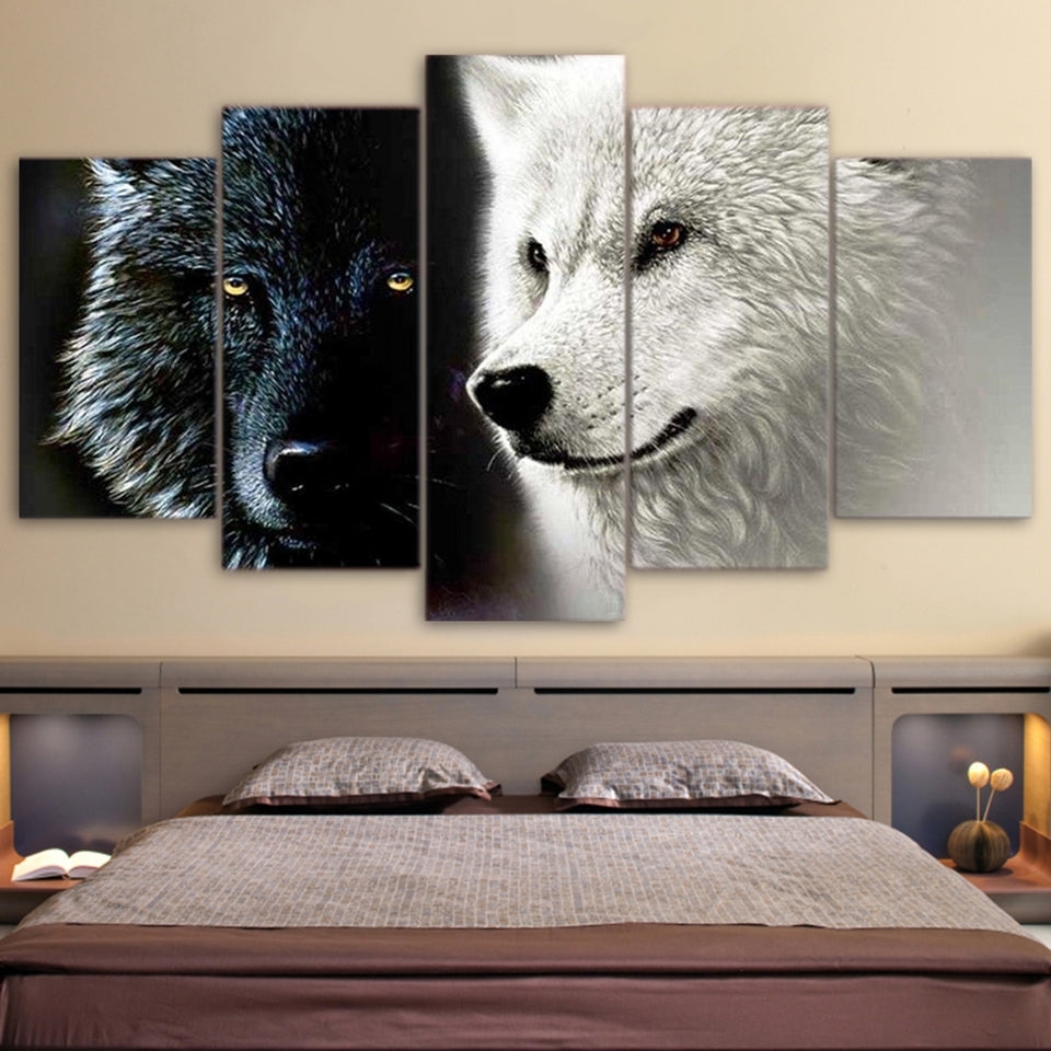 BLACK AND WHITE WOLF, PRINTS, Ole Canvas