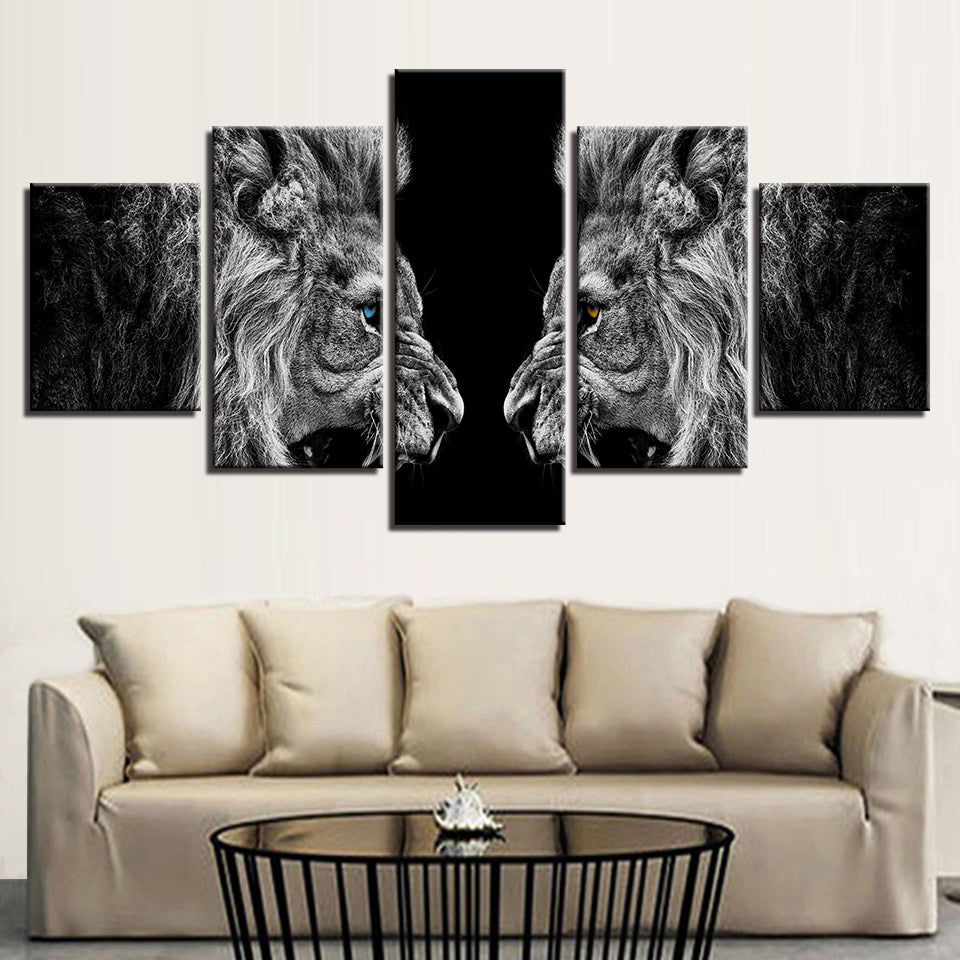 TWO ROARING LIONS - Ole Canvas