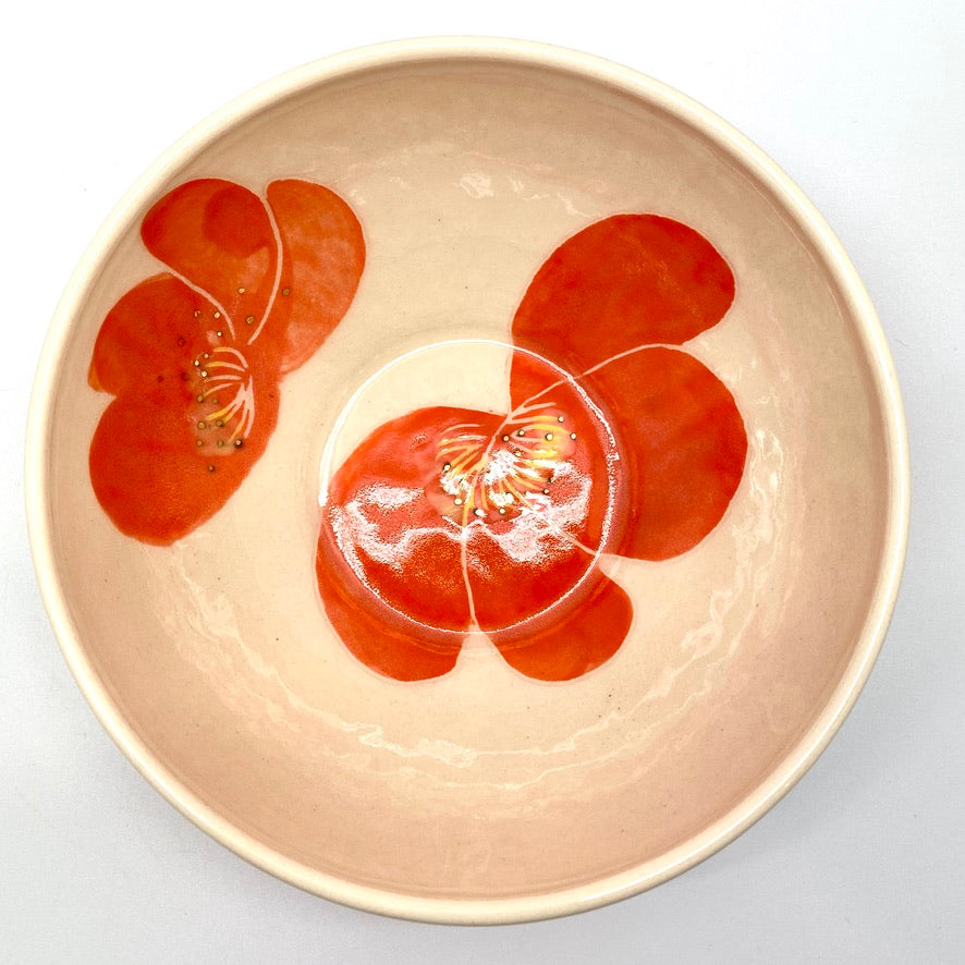A small  bowl with poppies