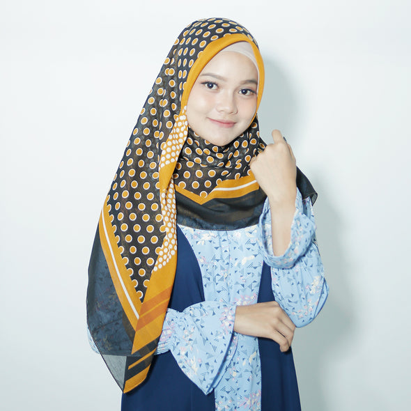 Moss Scarf Gold Black