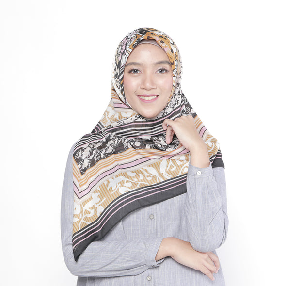 Phrisa Scarf Black Brown