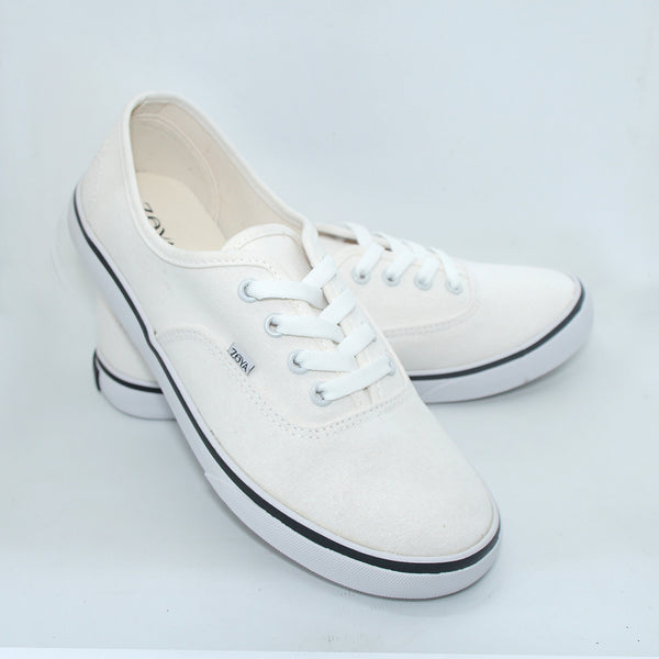 Yukki Shoes Broken White