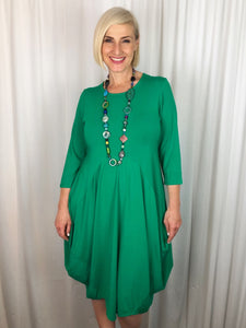 Our Bamboo Balloon Dress is made from 95% Bamboo and 5% Elastane making it super light and silky soft. Being a breathable fabric it draws moisture away from your body keeping you cool. Available in a range of beautiful colours, team it back with a colourful scarf or some great accessories to make it pop!
