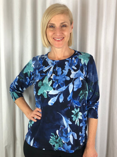 Sophisticated and elegant! Our Long Sleeve Francesca Top made from a luxurious slinky jersey features an always fashionable floral design. The stylish print looks great on its own or team it with a jacket in a co-ordinating colour to make it pop. Made in Australia from Polyester Spandex it's great for travelling as it washes and drip dries with no ironing.