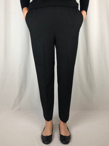 Stretch, Style & Comfort! Made in Australia from Poly/Viscose/Elastane, our Petite Length Thermal Pant is warm and cosy for winter. With elastic sides and back as well as pockets, this slim legged pant is the perfect length for those tired of having to always shorten their pants.