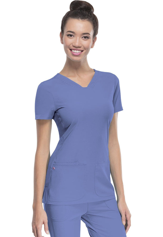 20710 Pitter-Pat Shaped V-Neck Top