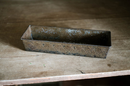 Textured Vintage Baking Tray