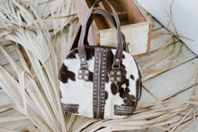 Load image into Gallery viewer, Vintage Cowhide Leather Purse
