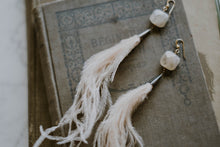 Load image into Gallery viewer, Champagne Ostrich Feather + Quartz Earrings