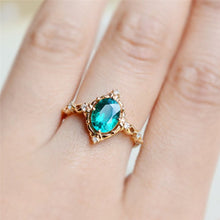 Load image into Gallery viewer, Egg-shaped Green Stone Ring Exclusive ring