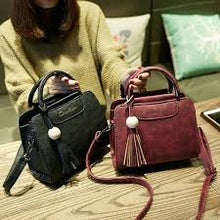 Load image into Gallery viewer, women handbags, simple fashion flap