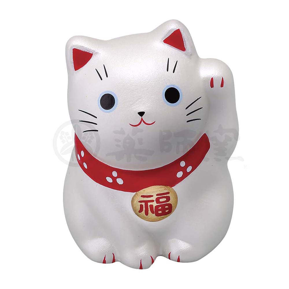 Small Maneki-neko on Mat, H5.5cm, Silver, Left Paw Up, Fulfilment of a vow, Lucky Cat / Fortune Cat