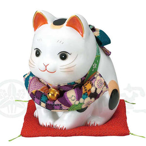 Bowing Maneki-neko with Chirimen Apron, H12.5cm, Calico Cat, Symbolizing Hospitality, Store Opening Gifts, Lucky Cat / Fortune Cat