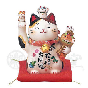 Maneki-neko with Chirimen Collar, H11.5cm, Calico Cat, Right Paw Up, Invites Good Luck, Better Fortune, Lucky Cat / Fortune Cat