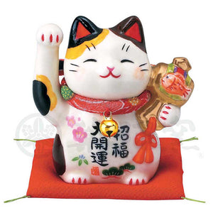 Maneki-neko with Chirimen Collar, H7cm, Calico Cat, Right Paw Up, Invites Good Luck, Better Fortune, Lucky Cat / Fortune Cat