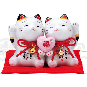 Couple Maneki-neko Holding Heart, H7.5cm, Calico Cat, Fulfillment in Love, Invites Love Luck, Lucky Cat / Fortune Cat