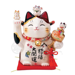 Maneki-neko with Chirimen Collar, H18cm, Calico Cat, Right Paw Up, Invites Good Luck, Better Fortune, Lucky Cat / Fortune Cat