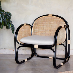 Close-Up-Black-Framed-Bermuda-Chair-The-Rattan-Company