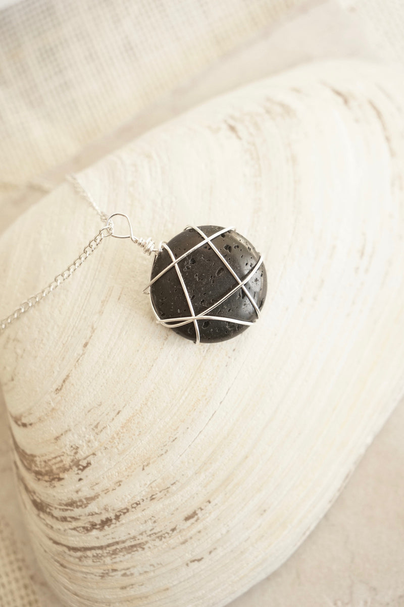 Aromatherapy Lava Stone Diffuser Necklace, Lily Daily Boutique, Essential Oil Diffuser Necklace, Best Selling Items, Birthday Gifts For Mom, Minimalist Jewelry