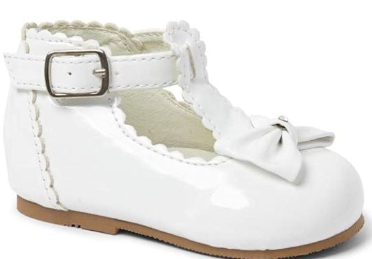 White Patent shoe with bow