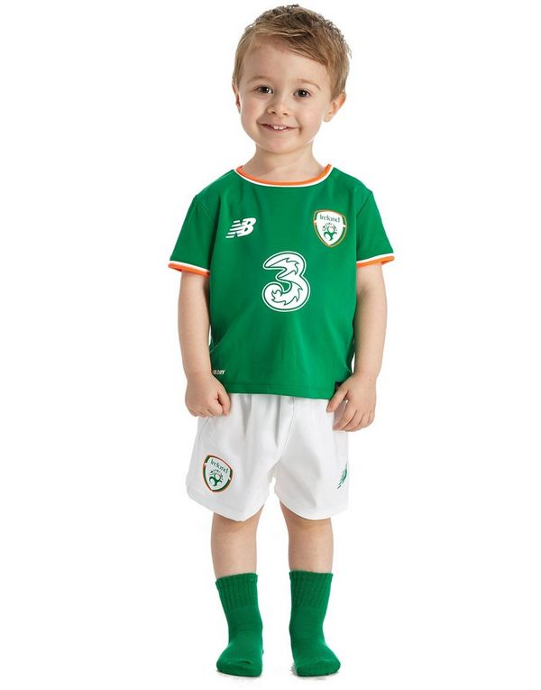 2017-18 Ireland Home Full Kit *BNIB* Kids