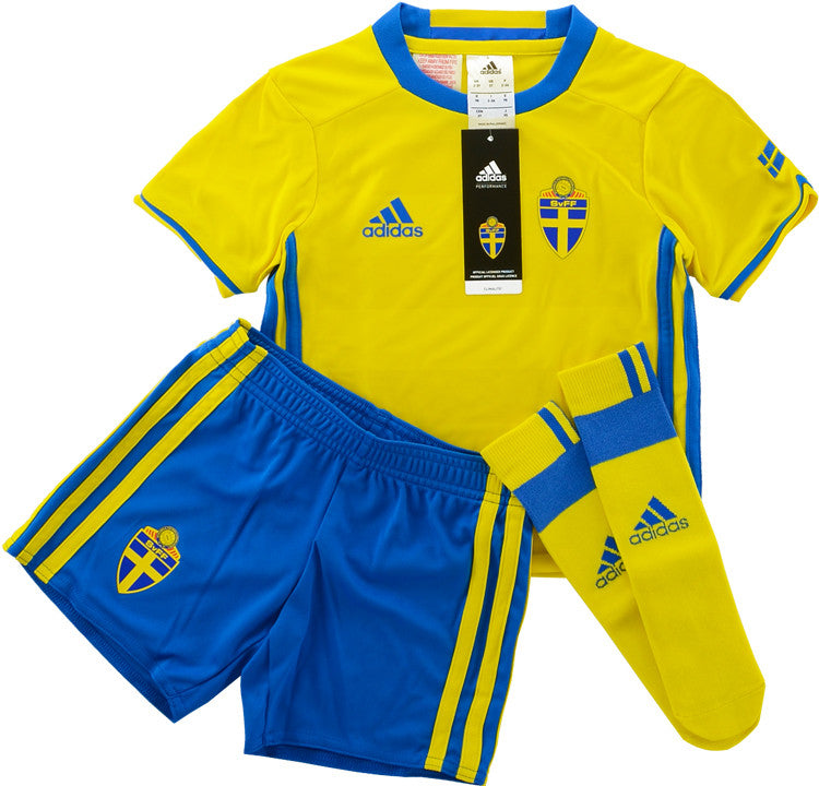 2016-17 Sweden Home Full Kit *BNIB* Kids