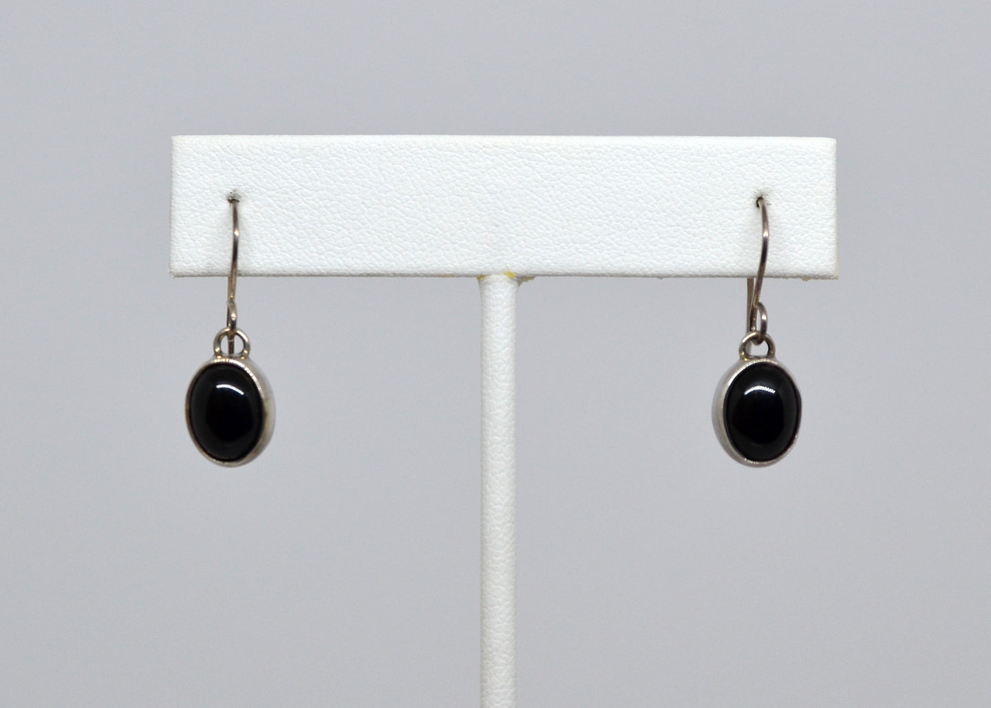 Earrings- Oval onyx