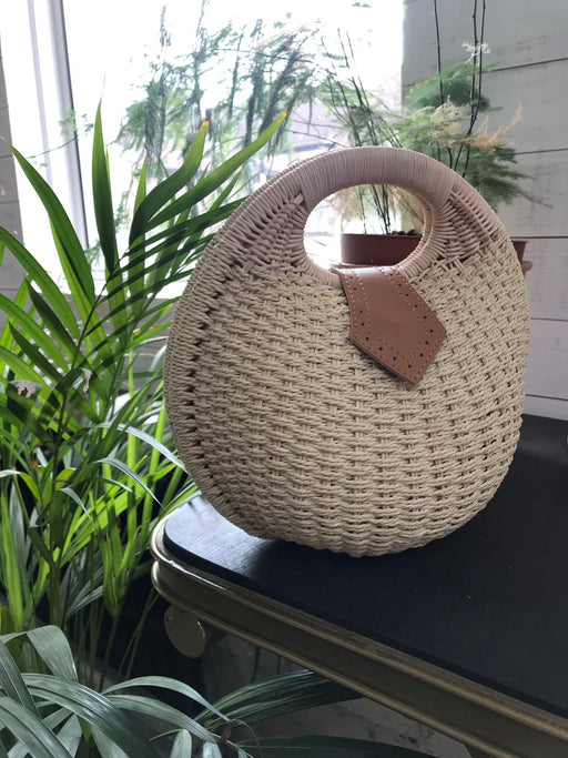 River Shell Wicker Bag
