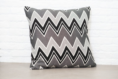 Cushion in Interior Zebra - OUTDOOR - Zanders & Co