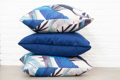 Cushion in Tropicalia Porcelain Blue OUTDOOR - Zanders & Co