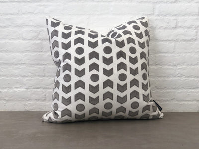 Cushion in ZANDERS 001 | GET THE LOOK - Zanders & Co