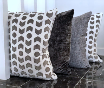 cushion throw pillow in ZANDERS 001 | GET THE LOOK - Zanders & Co