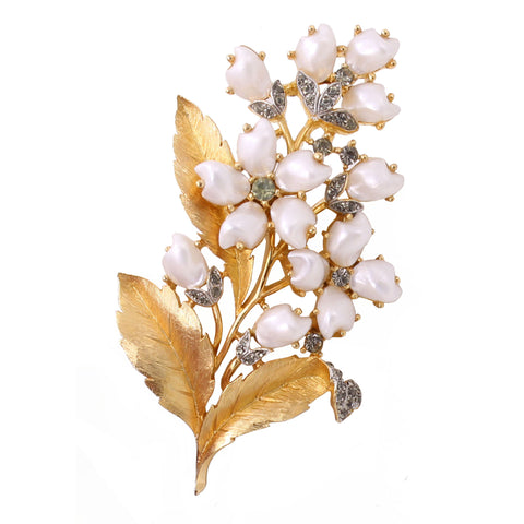 Trifari Sorrento Flower Baby Tooth Pearl Rhinestone Brooch Pin Front