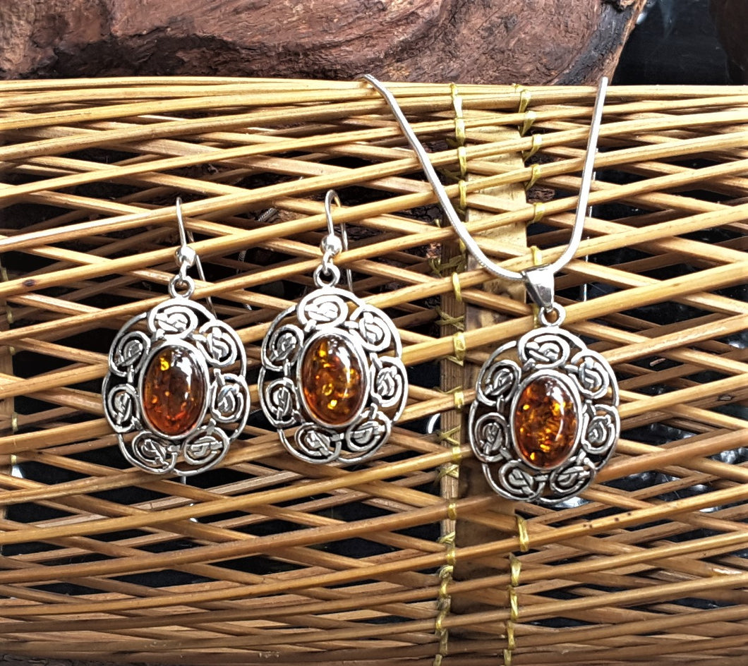 Celtic Design Silver Set With Amber