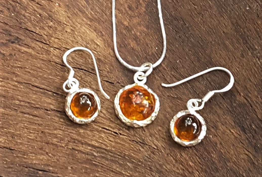 Earring , Pendant And Silver Chain Set with real Baltic Amber