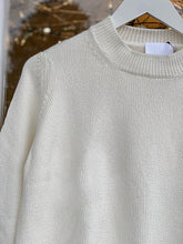 Load image into Gallery viewer, Round Neck Pullover White