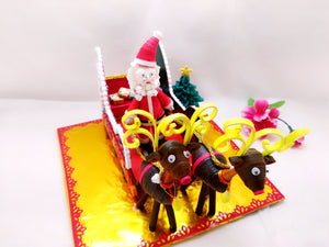 Miniature - Santa on Sleigh - Quilled paper