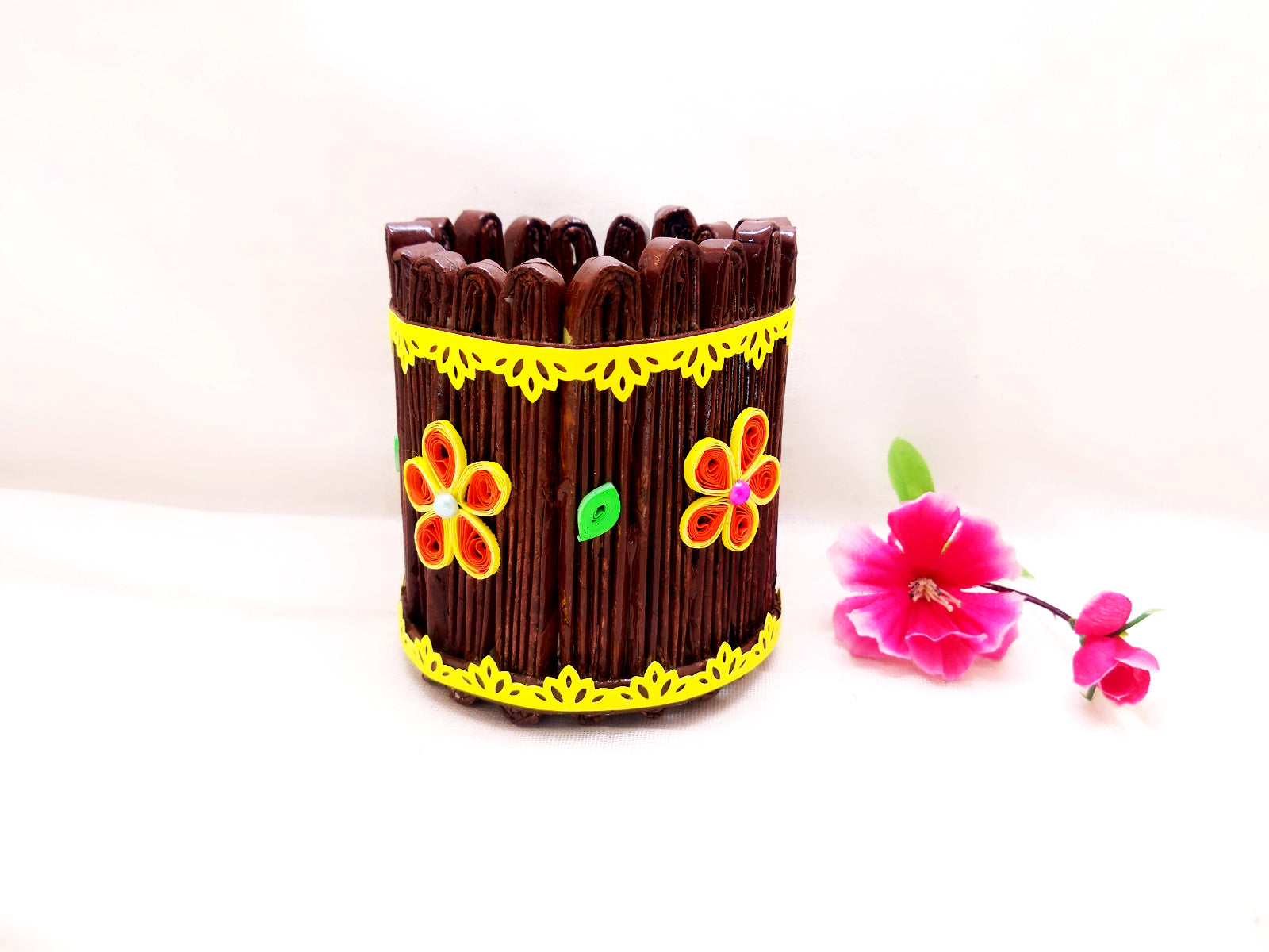 Pen Stand - News Paper Pen Holder with Quilling Art