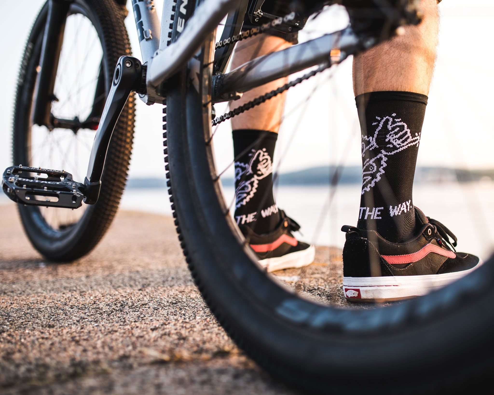 Hang loose crank socks