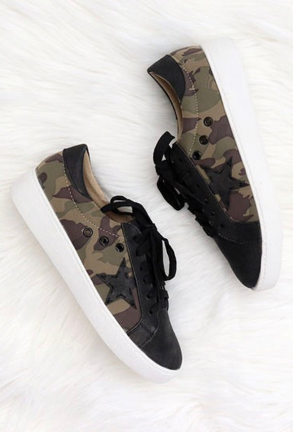 Lace Up Low Top Star Sneakers-Camouflage Camo Print - Hustle & Hunee