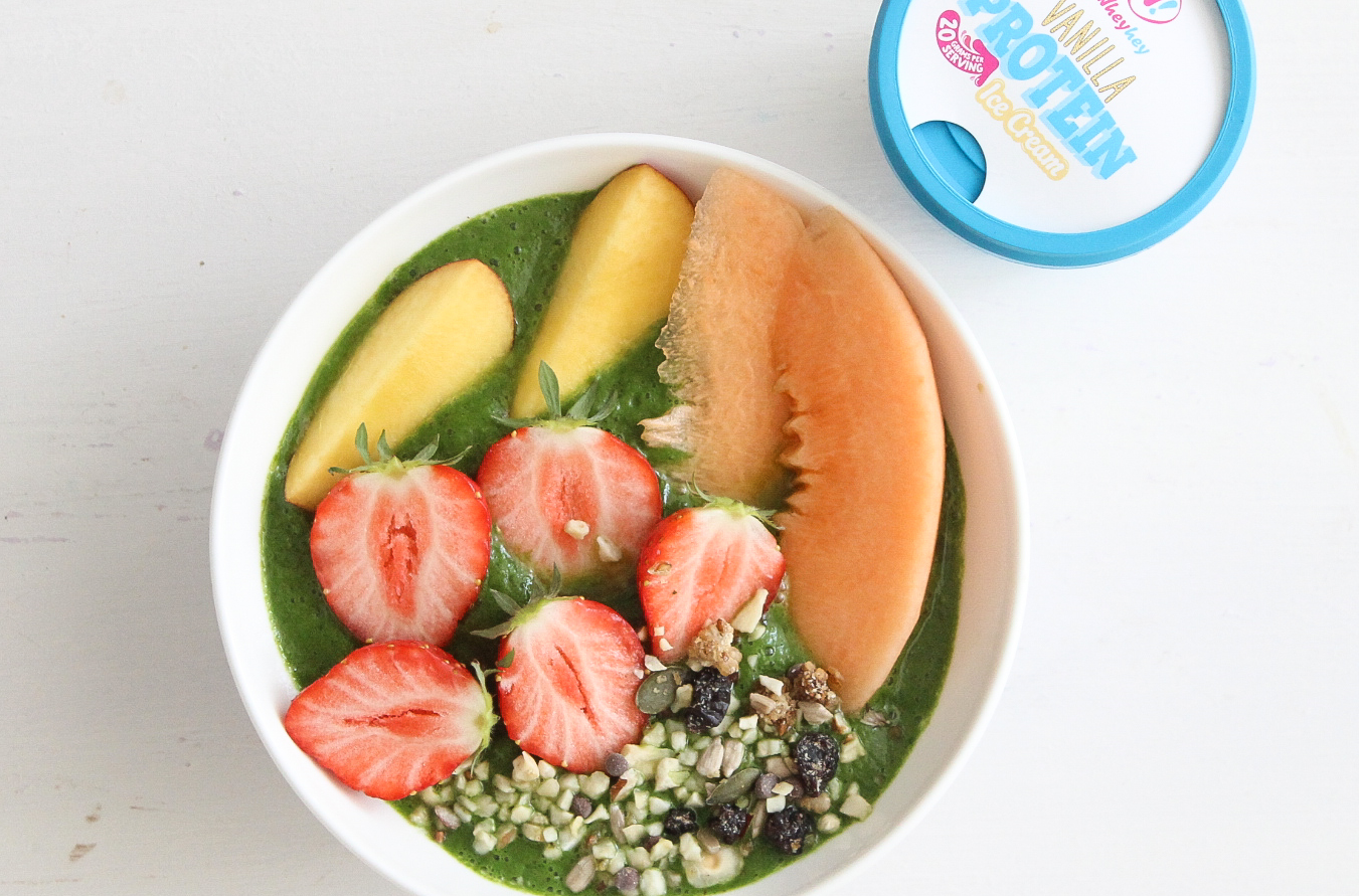 Perfect summer wheyhey smoothie bowl!