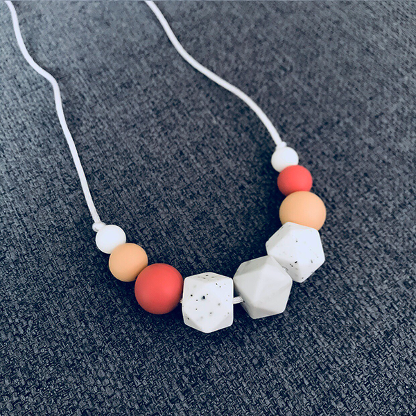 TEETHING NECKLACE // AVELYN
