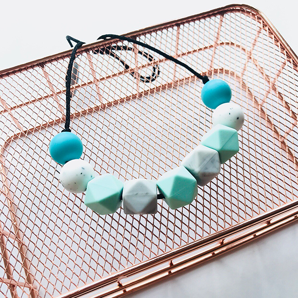 TEETHING NECKLACE // NOVA