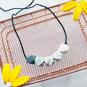 LUNA TEETHING NECKLACE