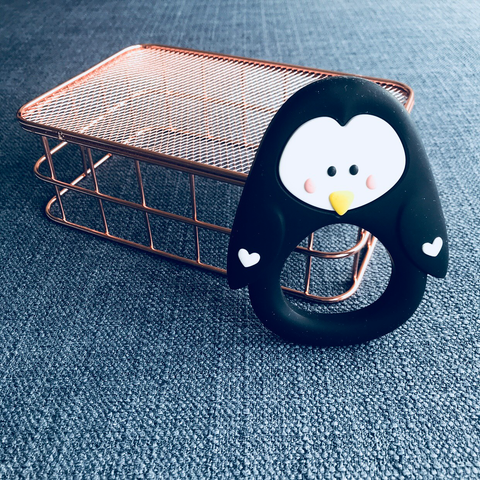 TEETHER // PENGUIN (BLACK)
