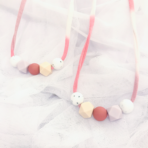 RAELYNN TEETHING NECKLACE